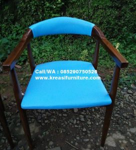Kursi Cafe Jok Biru Lengkung