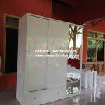 Lemari Pakaian Minimalis Putih Cermin