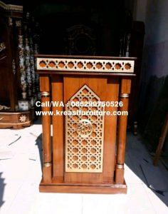 Mimbar Masjid Minimalis Terbaru Kaligrafi Emas