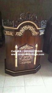 Mimbar Masjid Ukir Emas Minimalis