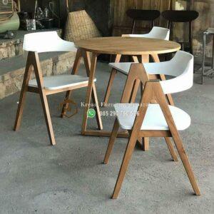 Set Kursi Cafe Retro Sandaran Putih